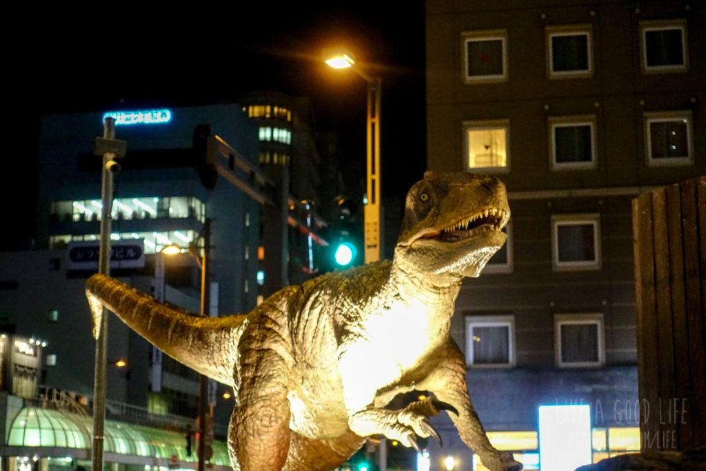 福井駅の恐竜
