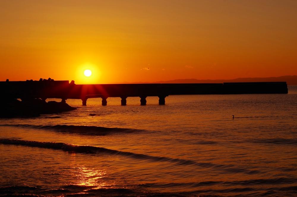 秋谷海岸の夕暮れ