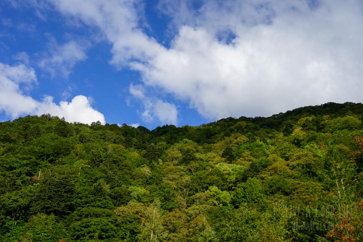 平湯温泉郷から見た山々